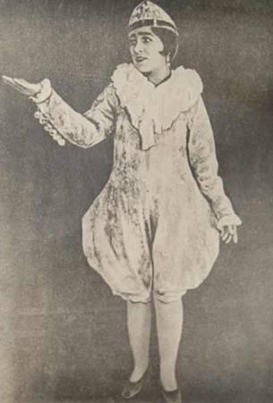Муббарак – хон Зарипова .Первая клоунесса  в Узбекистане  Заслуженная артистка Уз ССР.